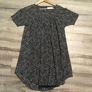 Ann Taylor LOFT short sleeve shift dress. Small